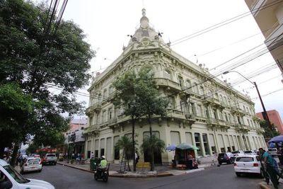 Hacienda reitera que incentivará inversión en obras públicas