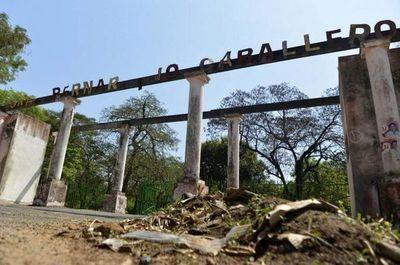Ministerio de Urbanismo propone restauración de Parque Caballero