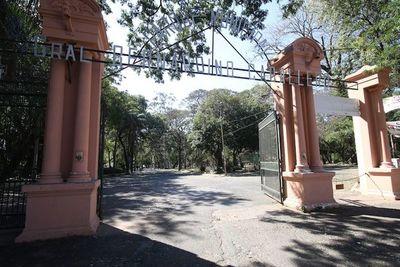 """Buscan recuperar Parque Caballero bajo """"padrinazgo"""" de Itaipú y Urbanismo"""