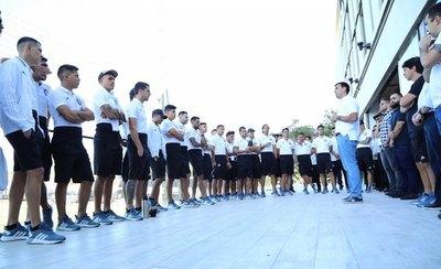 Trovato dio la bienvenida al plantel y cuerpo técnico de Olimpia