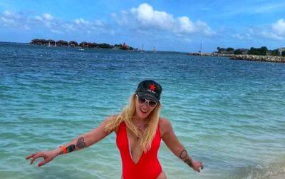 """Carmi pide que sea liberada de los """"comments"""" en sus vacaciones"""