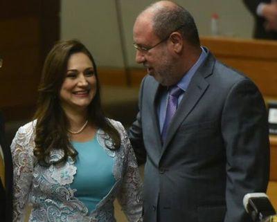 Lucho Zacarías y Rocío Abed integran Comisión Permanente, pero piden permiso para salir del país