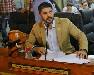 """'Nenecho' Rodríguez:""""Nosotros creemos que enrejar la plaza dará otra misión"""""""