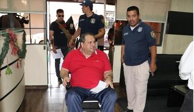 Llevan hasta la Fiscalía al Concejal Departamental detenido ayer en Caazapa