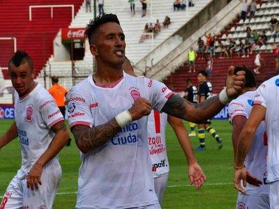 Lucas Barrios deja Huracán y busca nuevo destino