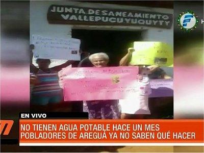 Pobladores reclaman que no tienen agua hace un mes en Areguá