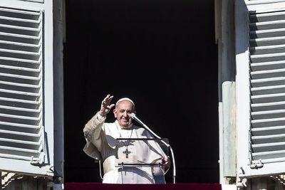 """El Papa pide """"diálogo y autocontrol"""" ante la """"terrible"""" tensión del mundo"""