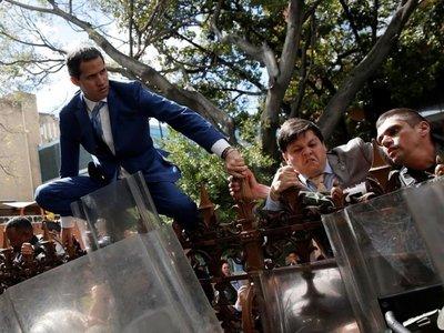 Guaidó,  reelecto titular de Asamblea   tras una maniobra  para destituirlo