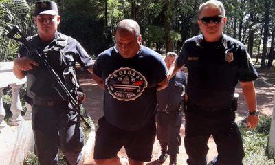Cae hombre con orden de captura en Brasil, tenía consigo varios vehículos