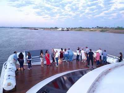 Ferry del Chaco inauguró servicios de viajes entre Villa Hayes y Asunción