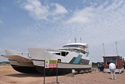 Primer viaje del ferry del Chaco tuvo 45 pasajeros