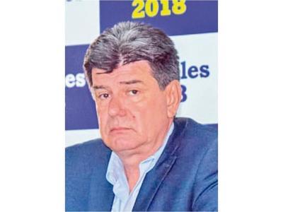 """Efraín dice que comisiones  del Gobierno son para """"venderse"""""""