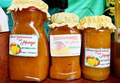 """""""Marinera de mango"""" en feria de  Areguá"""