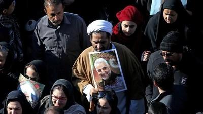 Al menos 35 muertos tras una estampida durante el funeral de Soleimani en Irán