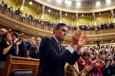 Pedro Sánchez, elegido presidente de un gobierno de izquierda en España