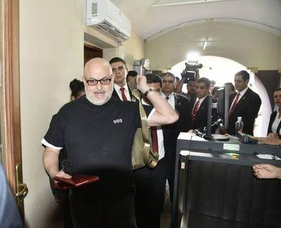 """TSJE rechaza pedido de """"Payo"""" y confirma a """"Kencho"""" en Senado"""