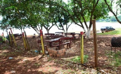 Usurpadores del Lago Acaray tienen plazo de 48 horas para despejar