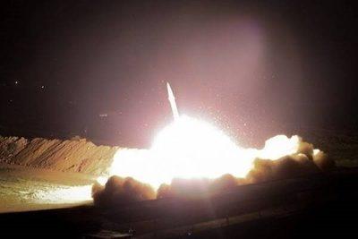 Ataque a base militar de EE.UU. deja decenas de muertos