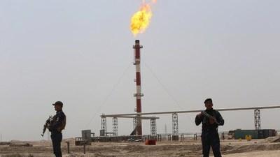 Suben los precios del petróleo y del oro tras el ataque iraní contra la base de EEUU en Irak