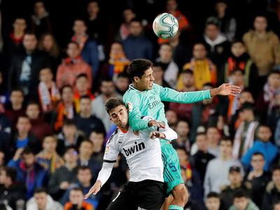 Real Madrid y Valencia se enfrentan en la semifinal de la Supercopa