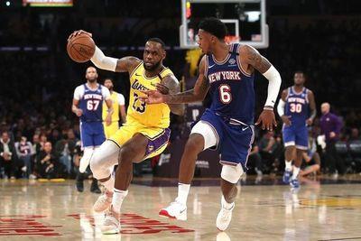 Lakers se acercan a Bucks