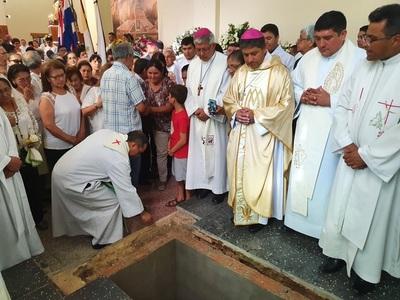 Con multitudinaria misa despiden a monseñor Zacarías en Concepción