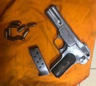 Requisan pistola en Tacumbú