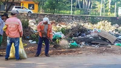 Retiran toneladas de basura de la Ciclovía de Luque •