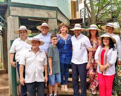 Abdo Benítez instó a realizar turismo interno durante visita a posada en Atyrá