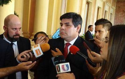 Ejecutivo pide informe del proceso judicial contra titular de la Caja Bancaria