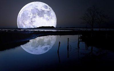 Un paseo en kayak bajo  la luna llena de San Ber