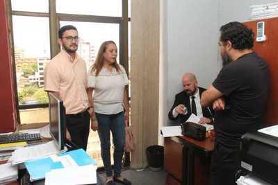 Imputados se presentaron en la Fiscalía y se abstuvieron a declarar