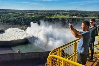 Atractivos del Complejo Turístico Itaipú del lado paraguayo recibió a más de 700 mil personas en el 2019