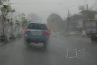 Anuncian viernes con intensas lluvias y tormentas eléctricas moderadas