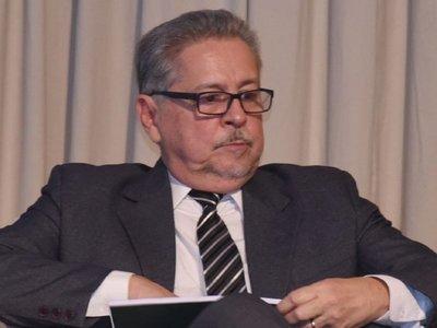 Itaipú: Ejecutivo designa negociador  a Richer, cuestionado por el acta