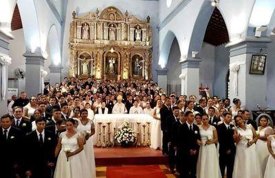 Ciento veinte parejas llegaron al altar