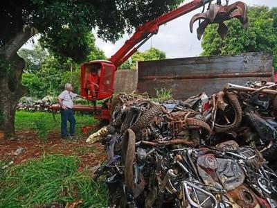 MOPC realizó limpieza de las sedes de la Patrulla Caminera