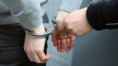 Detienen a sospechoso de violencia intrafamiliar