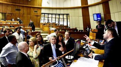 Es necesario aprobar control de financiamiento en enero, dice Acosta