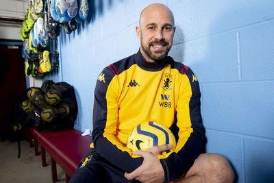 Pepe Reina llega al Aston Villa