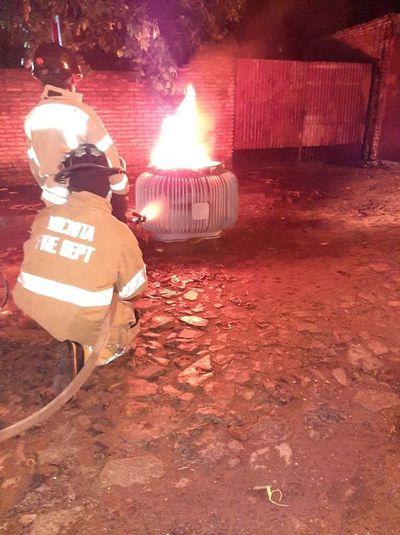 Transformador de ANDE ardió en llamas en Villa Aurelia