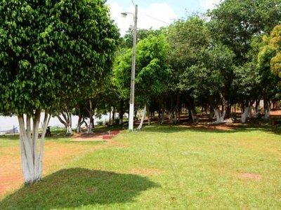 Invasores desocuparon terreno  en franja de protección del lago Acaray