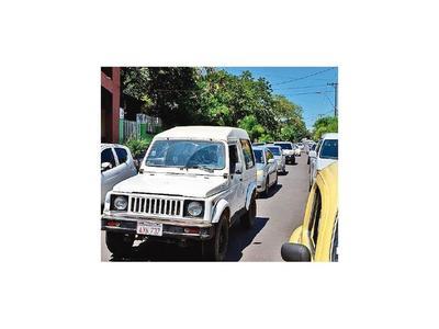 Caacupé: Tránsito y estacionamiento al borde del colapso
