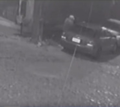 Delincuente roba un automóvil en menos de 30 segundos
