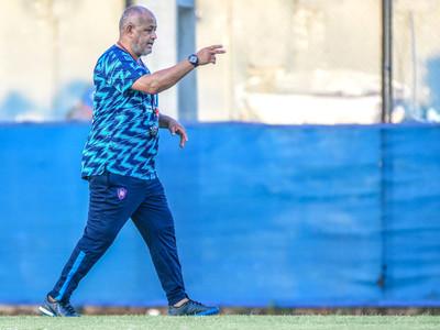 Arce pide apoyo a la hinchada y el resto depende del equipo