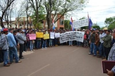 Agricultores toman sede de la Gobernación de Concepción