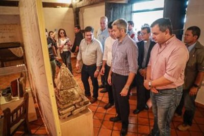 Gobierno habilita obras y entrega aportes a pobladores de Yabebyry