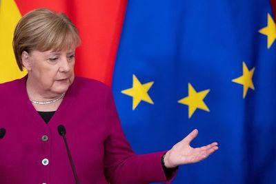 Merkel invita a cumbre con Hafter y Al Serraj en busca de acuerdo para Libia