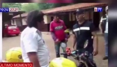 Kelembú es golpeado por agentes de la PMT