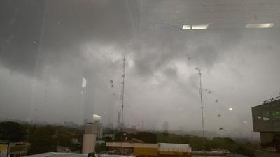 Emiten alerta por tormentas en varios Departamentos